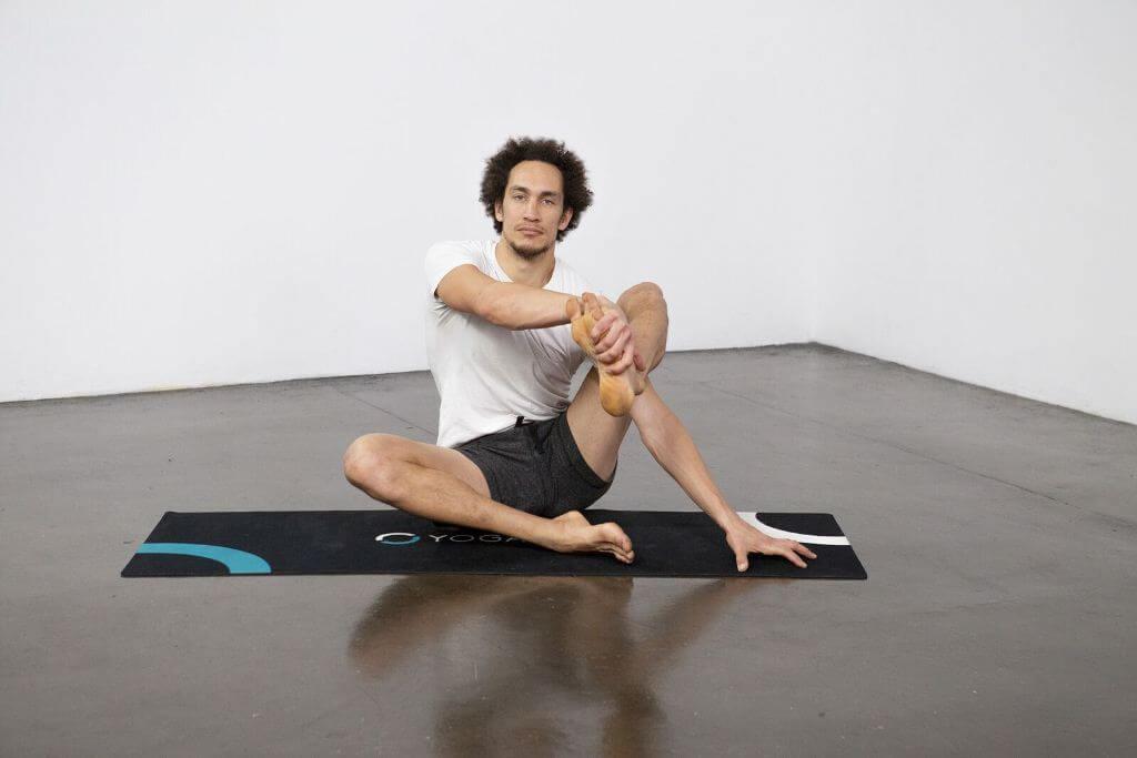 Compass Pose (Parivrtta Surya Yantrasana) - Yoga Pose