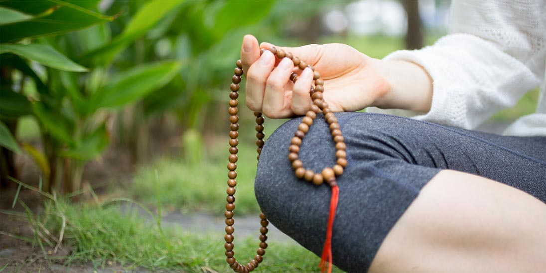 One Simple Word Could Help You Focus During Yoga & Meditation - Yoga Pose