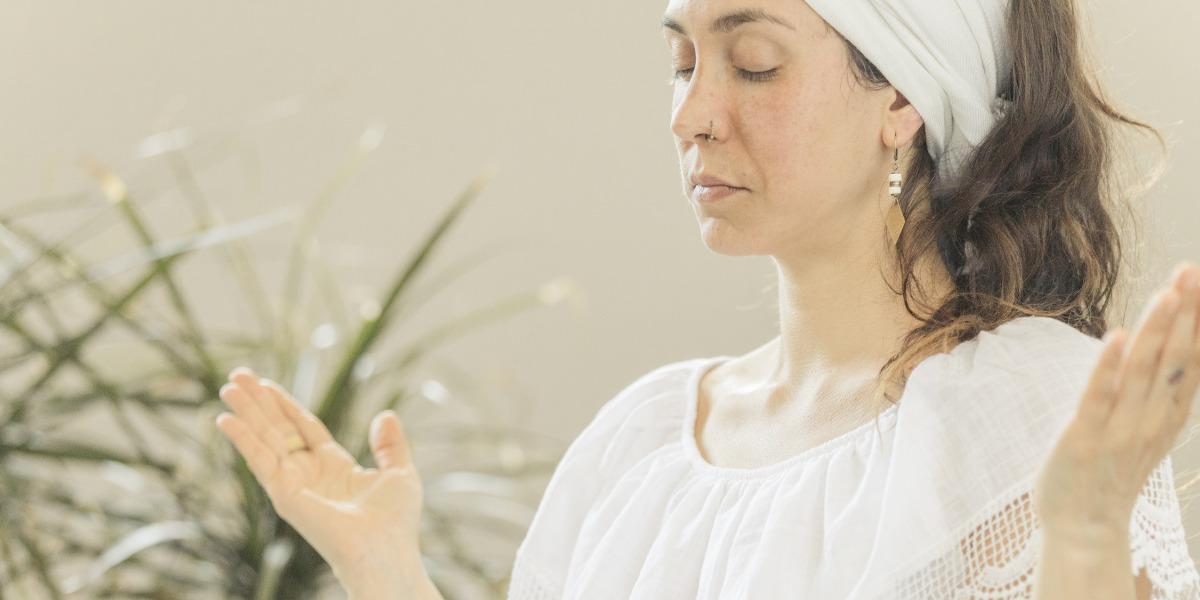 woman-practicing-kundalini-yoga