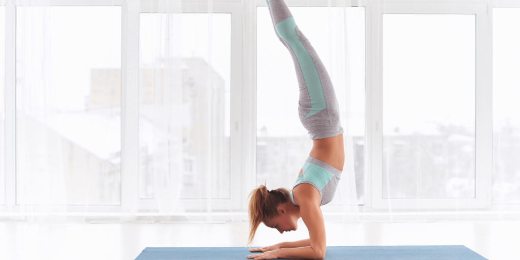 The forearm stand is a yoga inversion pose that offers a wide range of benefits.